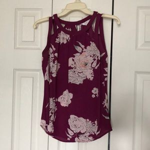 Women's tank top with rose designs